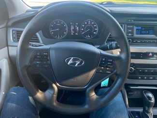 2015 Hyundai Sonata 2.4L SE Farmington, MN 7