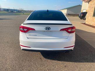 2015 Hyundai Sonata 2.4L SE Farmington, MN 4