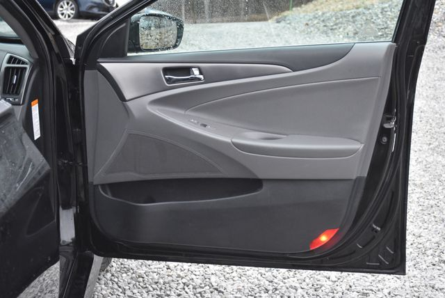 2015 Hyundai Sonata Hybrid Limited Naugatuck, Connecticut 10