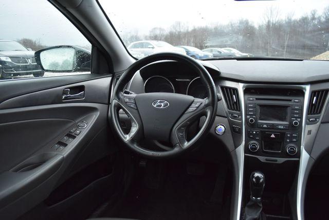 2015 Hyundai Sonata Hybrid Limited Naugatuck, Connecticut 13