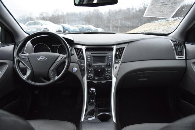 2015 Hyundai Sonata Hybrid Limited Naugatuck, Connecticut 14