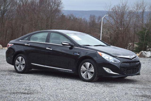 2015 Hyundai Sonata Hybrid Limited Naugatuck, Connecticut 6