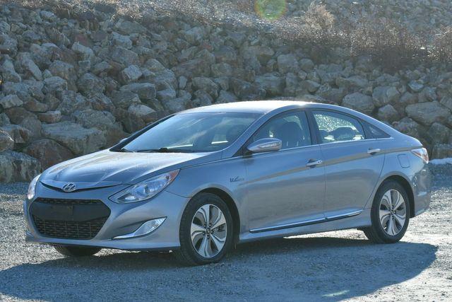 2015 Hyundai Sonata Hybrid Limited Naugatuck, Connecticut