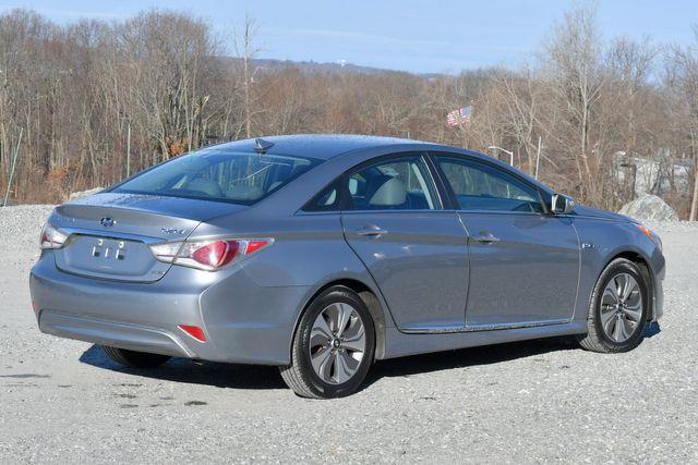 2015 Hyundai Sonata Hybrid Limited Naugatuck, Connecticut 4