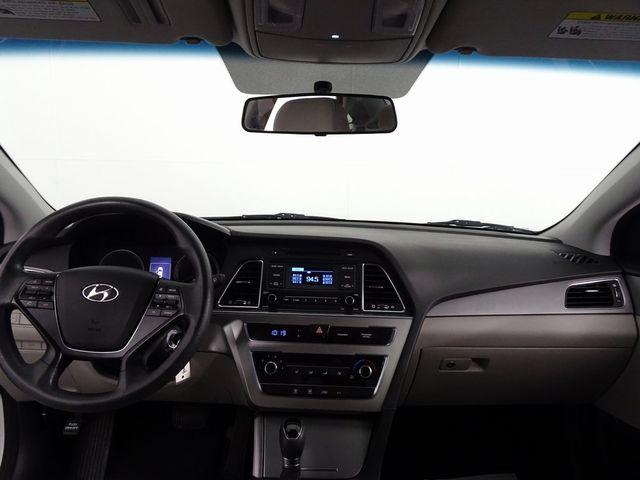 2015 Hyundai Sonata SE in McKinney, Texas 75070