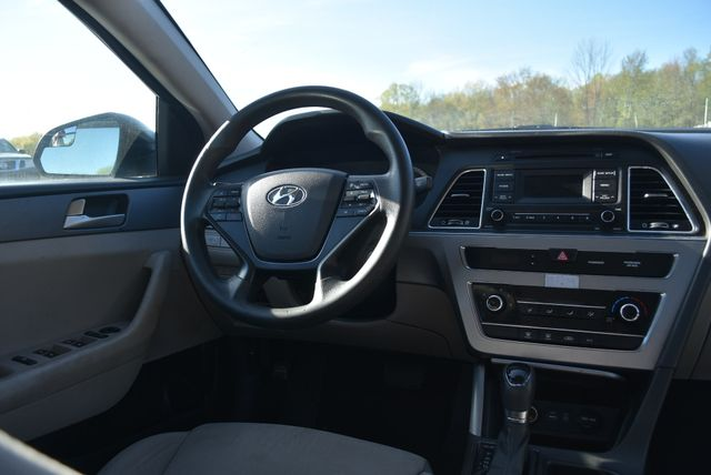 2015 Hyundai Sonata 2.4L SE Naugatuck, Connecticut 10