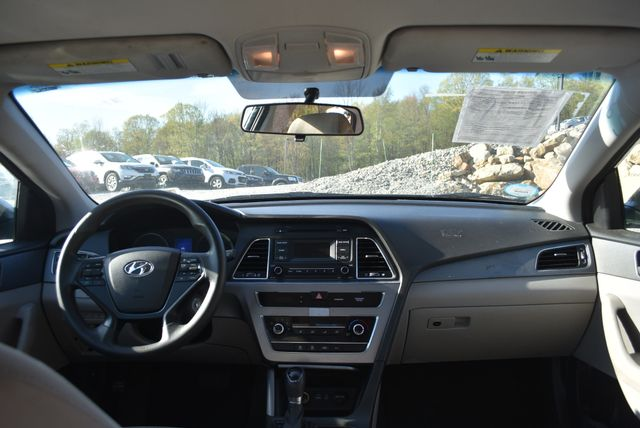 2015 Hyundai Sonata 2.4L SE Naugatuck, Connecticut 11