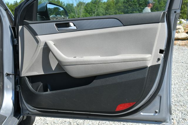 2015 Hyundai Sonata 2.4L SE Naugatuck, Connecticut 8