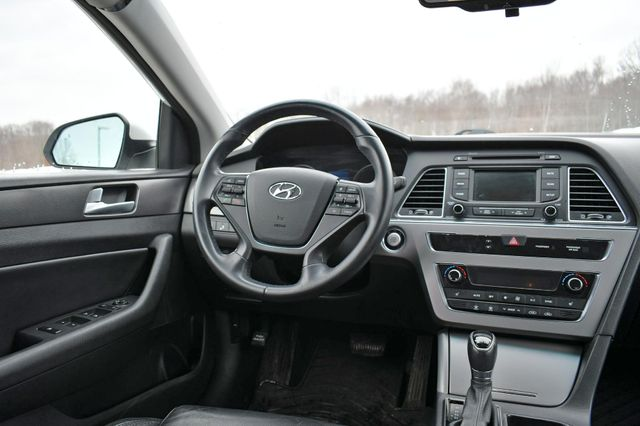 2015 Hyundai Sonata 2.4L Sport Naugatuck, Connecticut 17