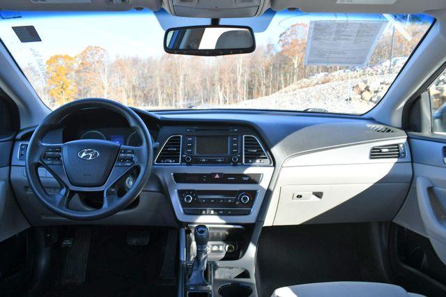 2015 Hyundai Sonata 2.4L SE Naugatuck, Connecticut 13