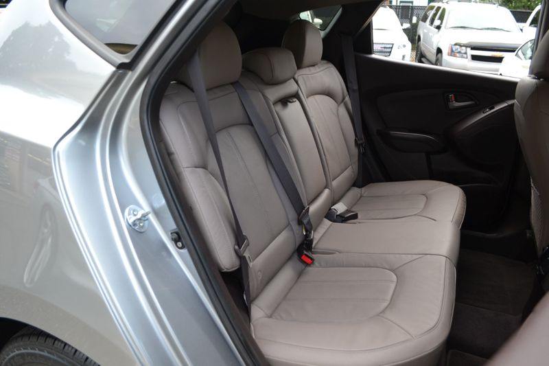 2015 Hyundai Tucson Limited  city New  Father  Son Auto Corp   in Lynbrook, New