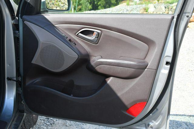 2015 Hyundai Tucson SE AWD Naugatuck, Connecticut 12