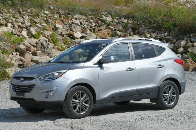 2015 Hyundai Tucson SE AWD Naugatuck, Connecticut 2