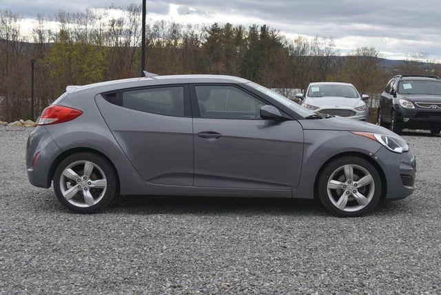 2015 Hyundai Veloster Naugatuck, Connecticut 5