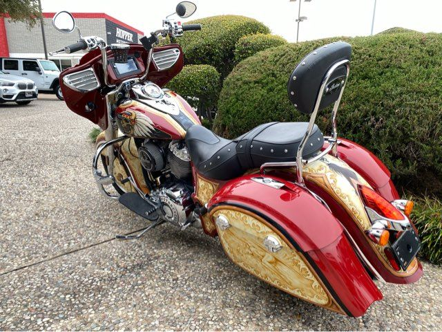 2015 Indian Motorcycle Chief Classic in McKinney, TX 75070