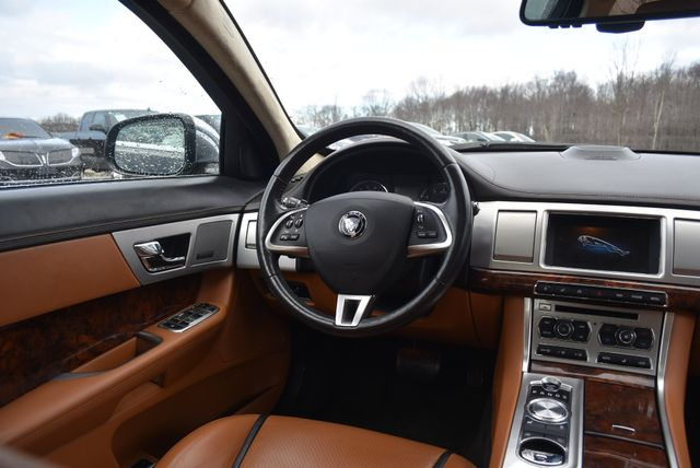 2015 Jaguar XF Naugatuck, Connecticut 14