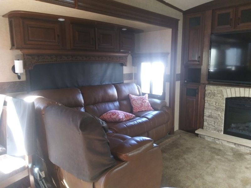 2015 Jayco Pinnacle 36REQS  city FL  Manatee RV  in Palmetto, FL