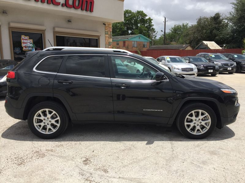 2015 Jeep Cherokee Latitude  Brownsville TX  English Motors  in Brownsville, TX