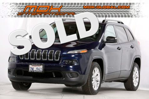 2015 Jeep Cherokee Sport - alloy wheels  in Los Angeles