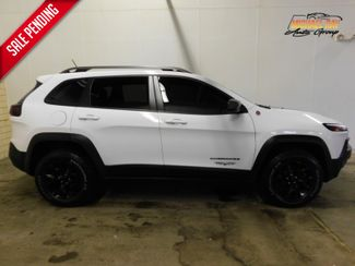 2015 Jeep Cherokee Trailhawk in Cleveland , OH 44111