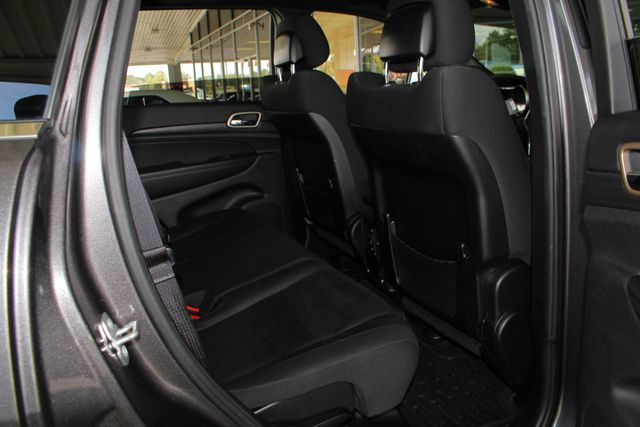 "2015 Jeep Grand Cherokee Laredo RWD - NAV - 18"" WHEEL & 8.4"" RADIO GROUP! Mooresville , NC 39"