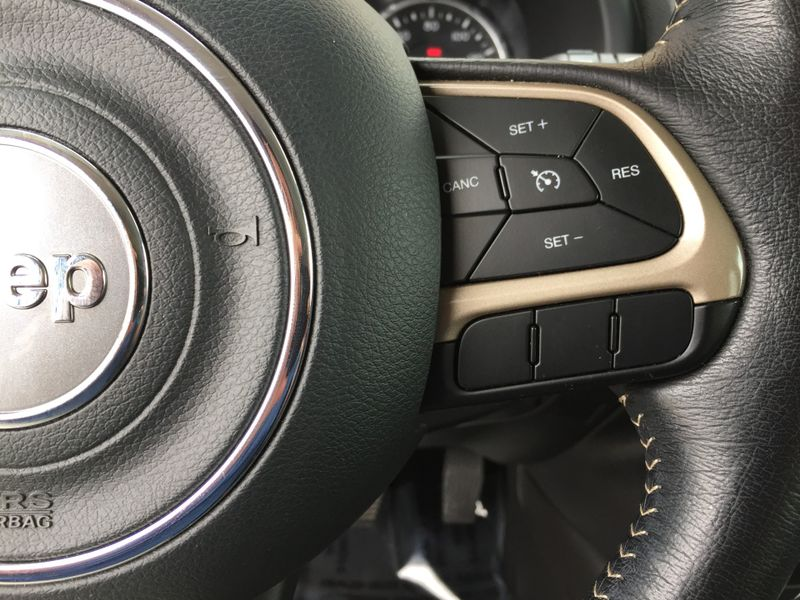 2015 Jeep Renegade Limited  Brownsville TX  English Motors  in Brownsville, TX