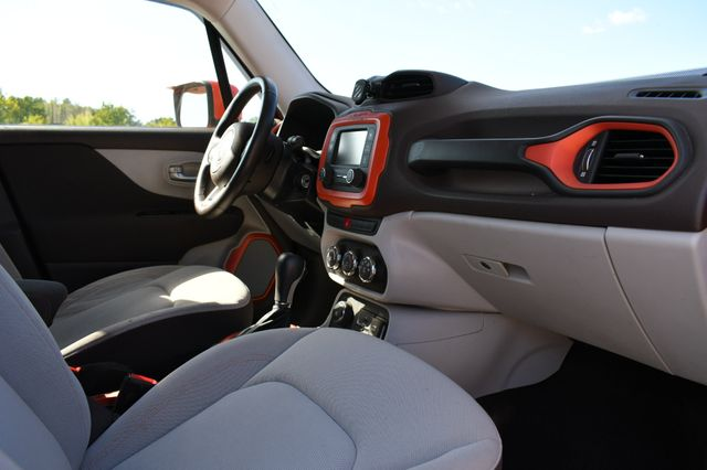 2015 Jeep Renegade Latitude Naugatuck, Connecticut 8