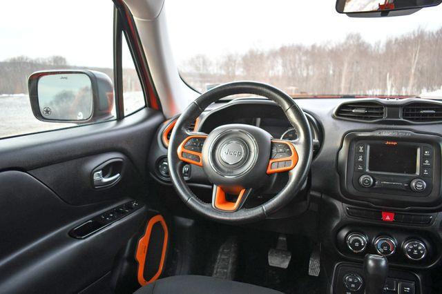 2015 Jeep Renegade Trailhawk Naugatuck, Connecticut 18
