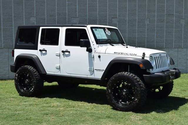 2015 Jeep Wrangler Unlimited Rubicon LIFTED W/CUSTOM WHEELS & TIRES