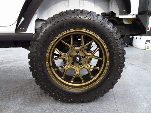 2015 Jeep Wrangler Unlimited Rubicon LIFT/CUSTOM WHEELS AND TIRES in McKinney, Texas 75070