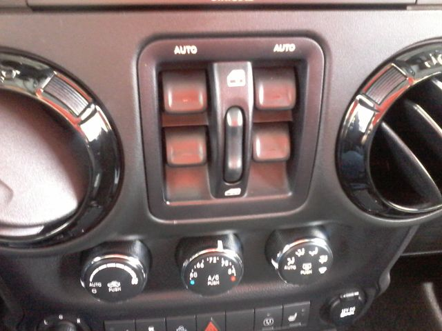 2015 Jeep Wrangler Unlimited Altitude Edtion Boerne, Texas 25