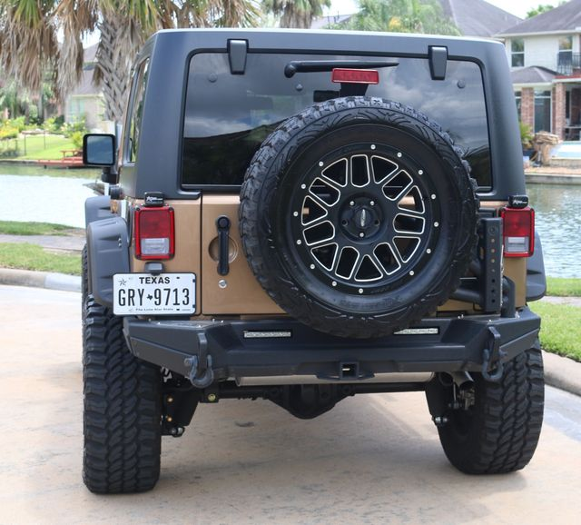 2015 Jeep Wrangler Unlimited Sahara Custom Houston, Texas 3
