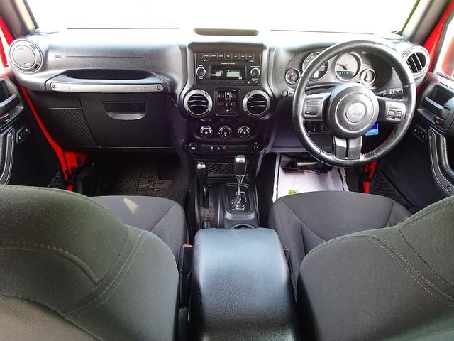 2015 Jeep Wrangler Unlimited Sport RHD Madison, NC 32
