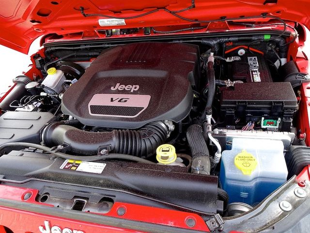 2015 Jeep Wrangler Unlimited Sport RHD Madison, NC 40