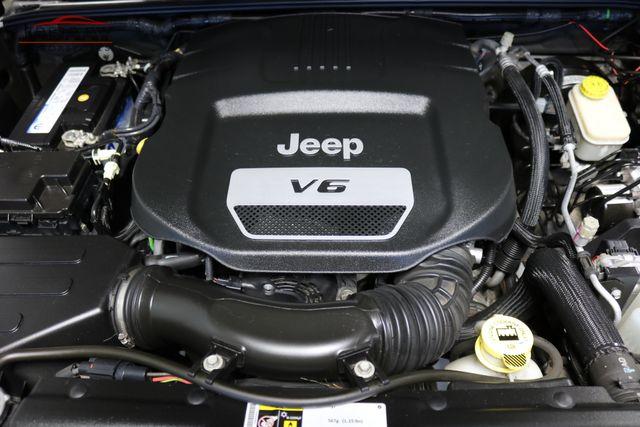 2015 Jeep Wrangler Unlimited Sahara Merrillville, Indiana 8