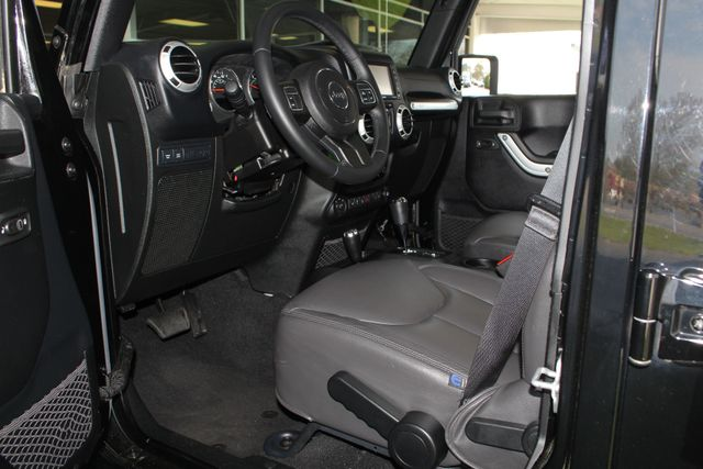 2015 Jeep Wrangler Unlimited Rubicon 4x4- NAV- HEATED LEATHER- CUSTOM WHEELS! Mooresville , NC 31