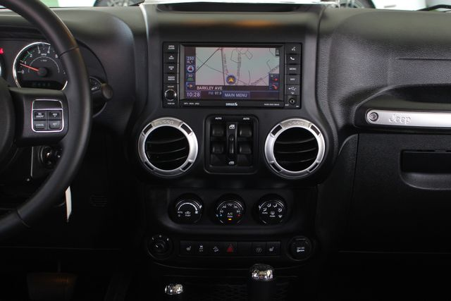 2015 Jeep Wrangler Unlimited Rubicon 4x4- NAV- HEATED LEATHER- CUSTOM WHEELS! Mooresville , NC 10