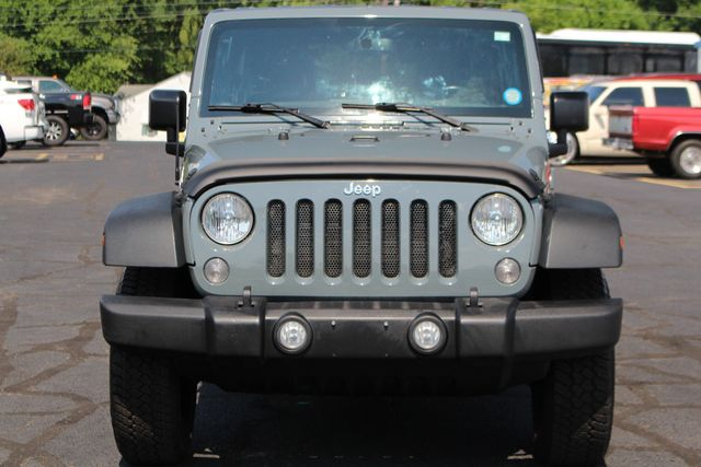 2015 Jeep Wrangler Unlimited Sport 4X4 - ANVIL PAINT - BLACK 3-PIECE HARD TOP Mooresville , NC 15