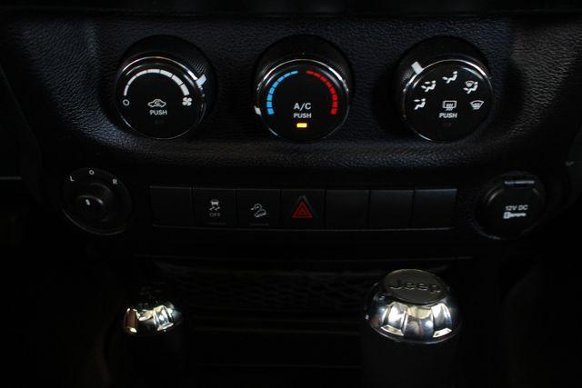 2015 Jeep Wrangler Unlimited Sport 4X4 - ANVIL PAINT - BLACK 3-PIECE HARD TOP Mooresville , NC 35