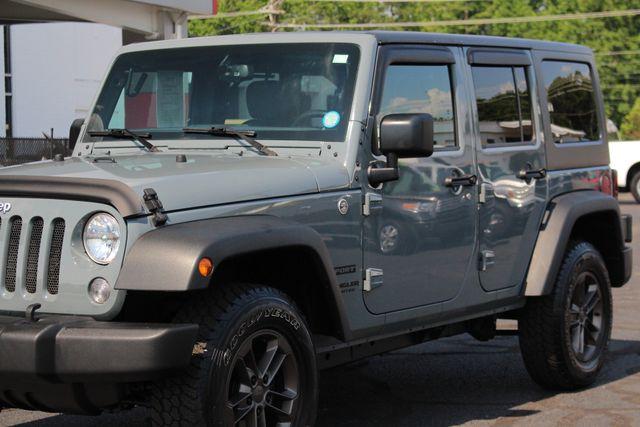 2015 Jeep Wrangler Unlimited Sport 4X4 - ANVIL PAINT - BLACK 3-PIECE HARD TOP Mooresville , NC 25