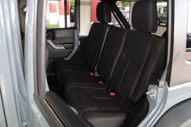 2015 Jeep Wrangler Unlimited Sport 4X4 - ANVIL PAINT - BLACK 3-PIECE HARD TOP Mooresville , NC 9