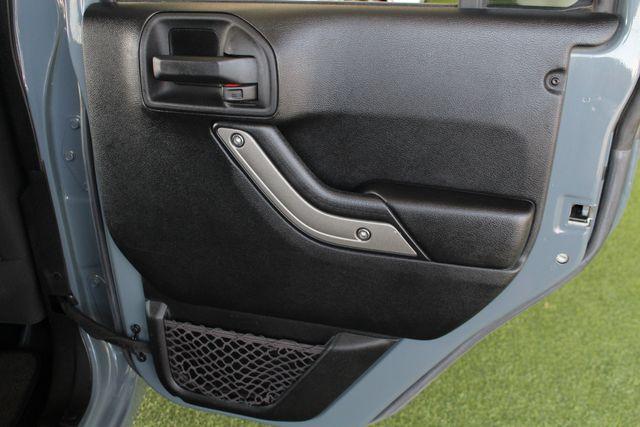 2015 Jeep Wrangler Unlimited Sport 4X4 - ANVIL PAINT - BLACK 3-PIECE HARD TOP Mooresville , NC 42