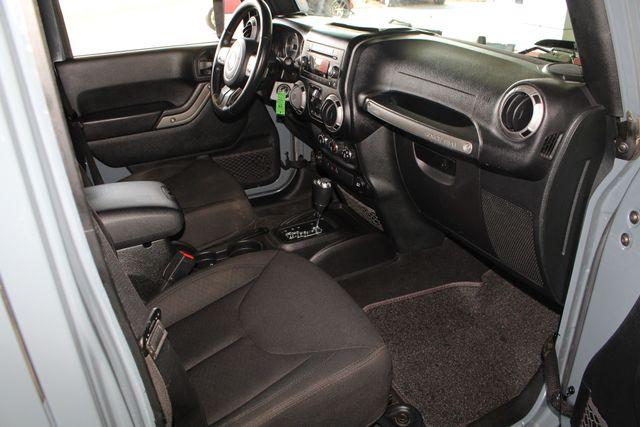 2015 Jeep Wrangler Unlimited Sport 4X4 - ANVIL PAINT - BLACK 3-PIECE HARD TOP Mooresville , NC 31
