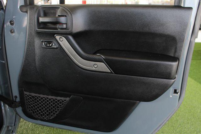 2015 Jeep Wrangler Unlimited Sport 4X4 - ANVIL PAINT - BLACK 3-PIECE HARD TOP Mooresville , NC 40