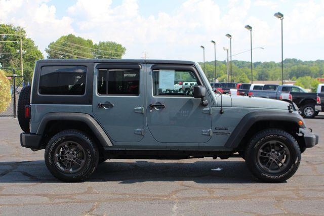 2015 Jeep Wrangler Unlimited Sport 4X4 - ANVIL PAINT - BLACK 3-PIECE HARD TOP Mooresville , NC 13