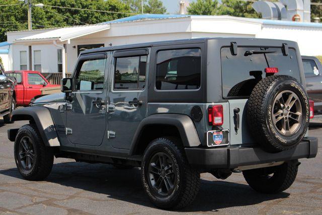 2015 Jeep Wrangler Unlimited Sport 4X4 - ANVIL PAINT - BLACK 3-PIECE HARD TOP Mooresville , NC 23