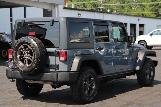 2015 Jeep Wrangler Unlimited Sport 4X4 - ANVIL PAINT - BLACK 3-PIECE HARD TOP Mooresville , NC 22