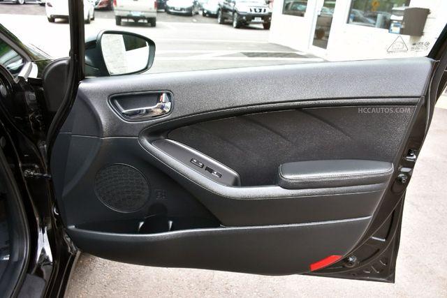 2015 Kia Forte 5-Door SX Waterbury, Connecticut 18