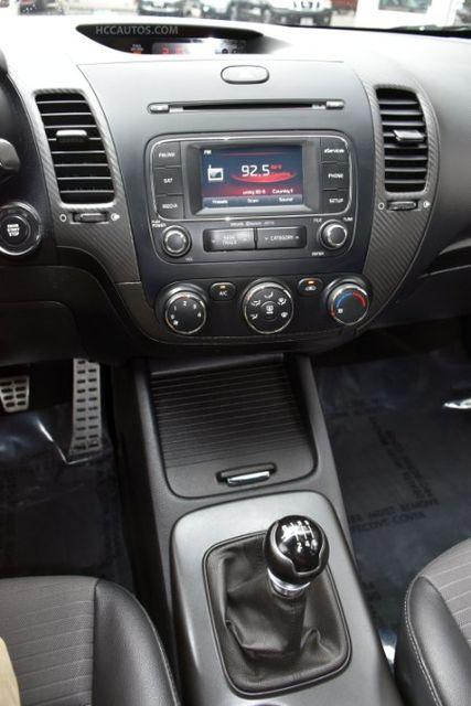 2015 Kia Forte 5-Door SX Waterbury, Connecticut 25