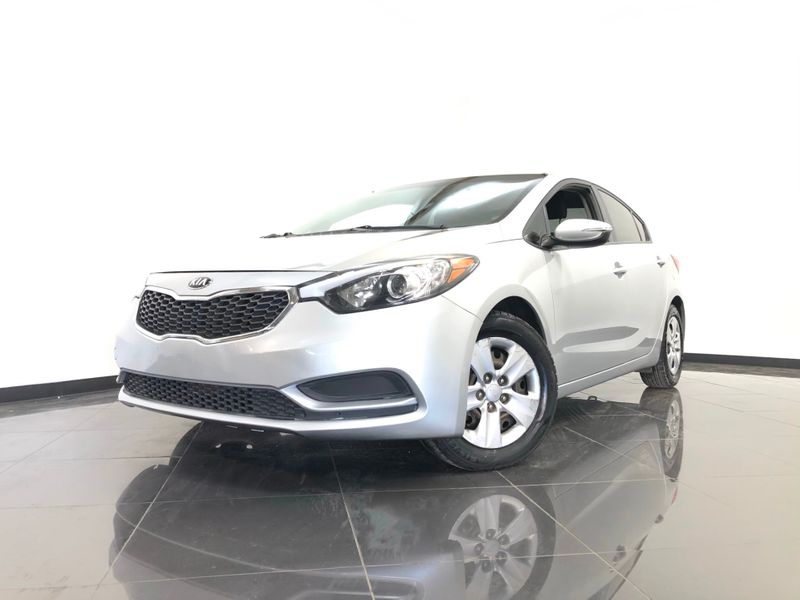 2015 Kia Forte *Get APPROVED In Minutes!* | The Auto Cave in Addison